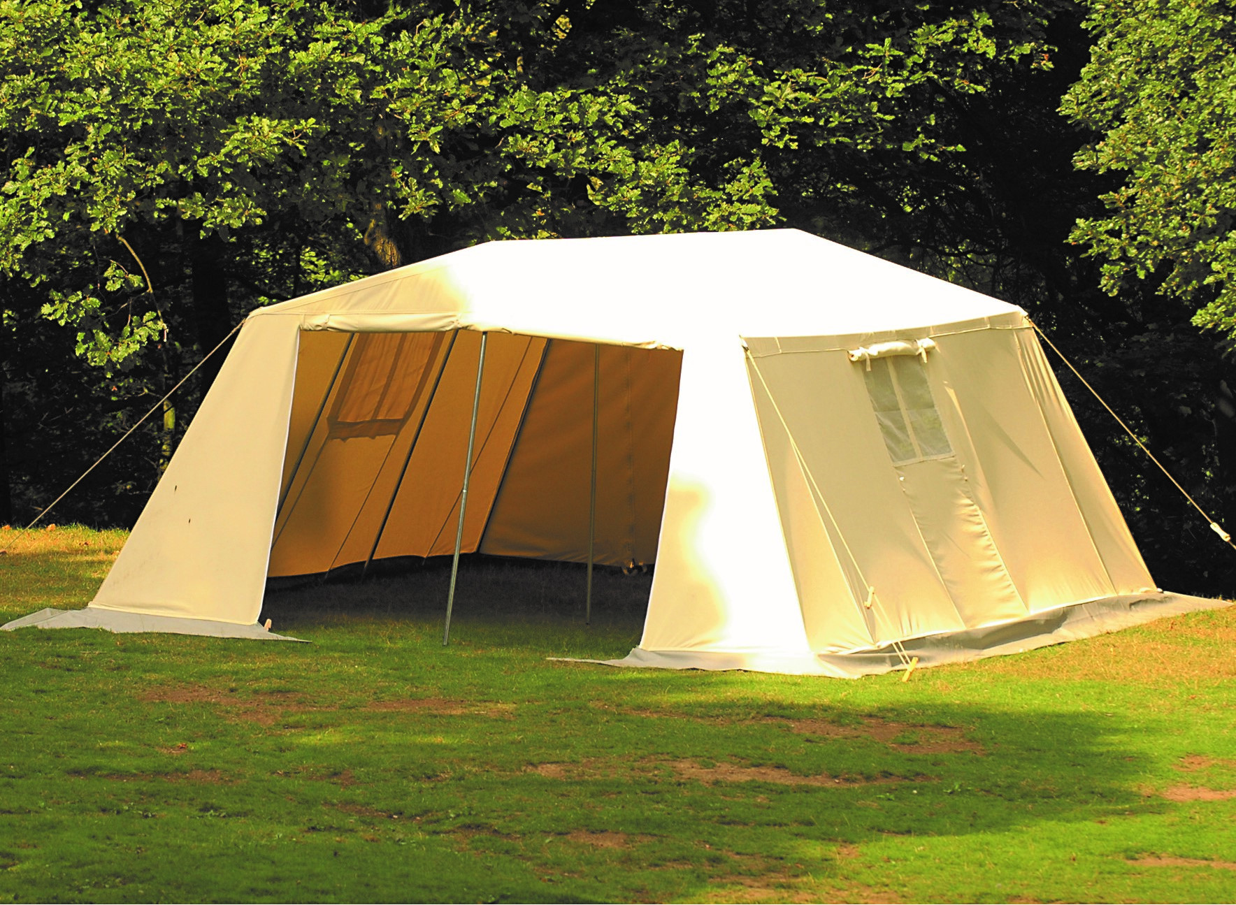 & BCT Mess Tent - Large £1160.00